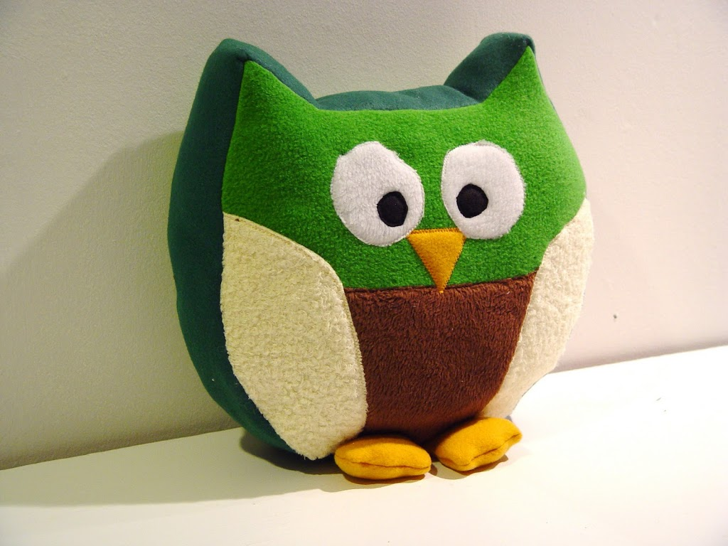 Snuggly Owl in Green