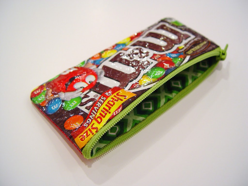 Skittles sweet tooth pouch