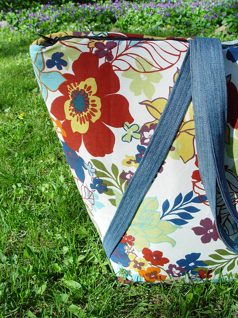 Insulated Picnic Tote
