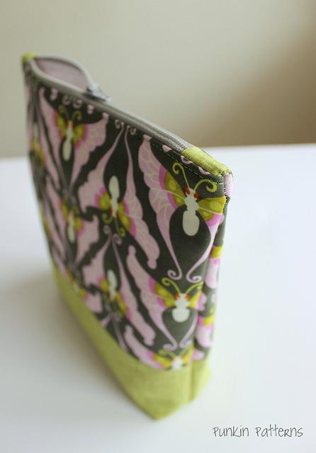 lottie da simple zippered pouch