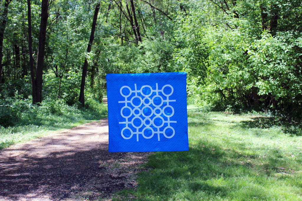 circle lattice in turquoise